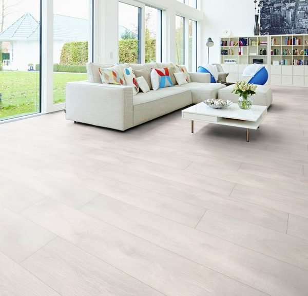 GIAKOUMAKIS LAMINATE BREEZE LINE
