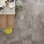 Bistrot_019_Crux Taupe Soft 75×75 RT