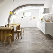 Bistrot_020_Crux Taupe Soft 75×75 RT &Crux Taupe 21×18,2